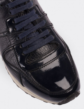 Navy Patent Leather Lace-up Shoes