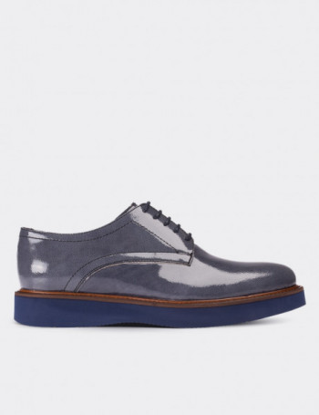 Gray Patent Leather Lace-up Shoes