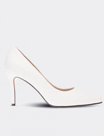 White Leather Pump
