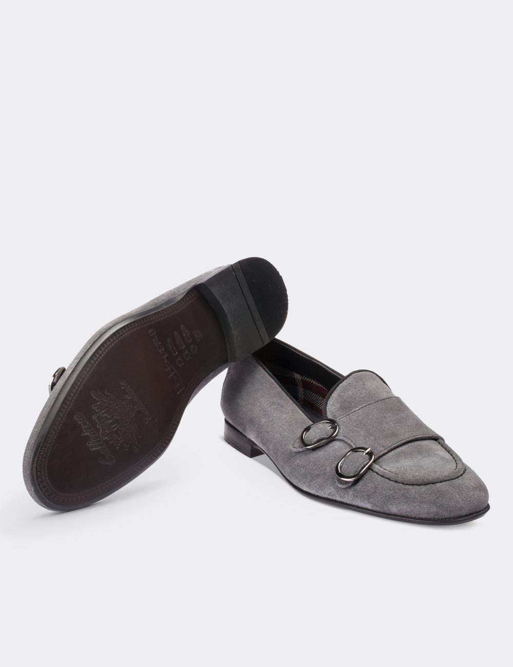 3ffb2f0c8cec5 Gray Suede Calfskin Loafers - 01617ZGRIM01